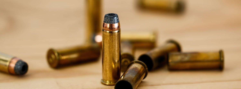 Pistole und Gewehr